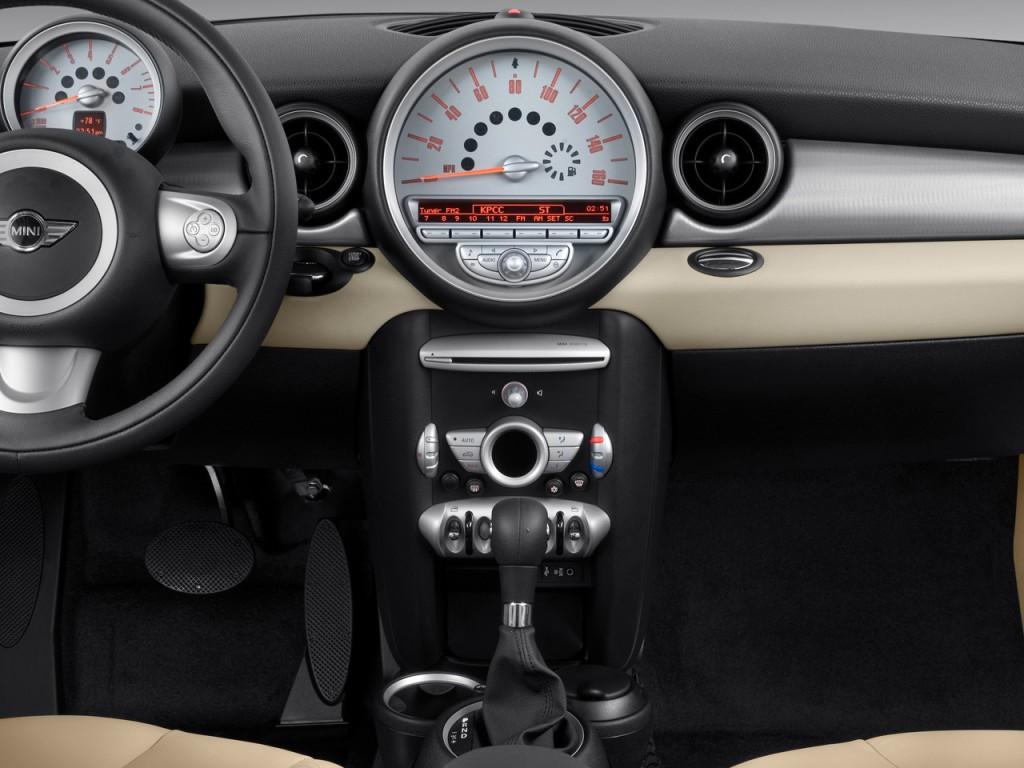 2010 MINI Cooper Clubman 2-door Coupe Instrument Panel
