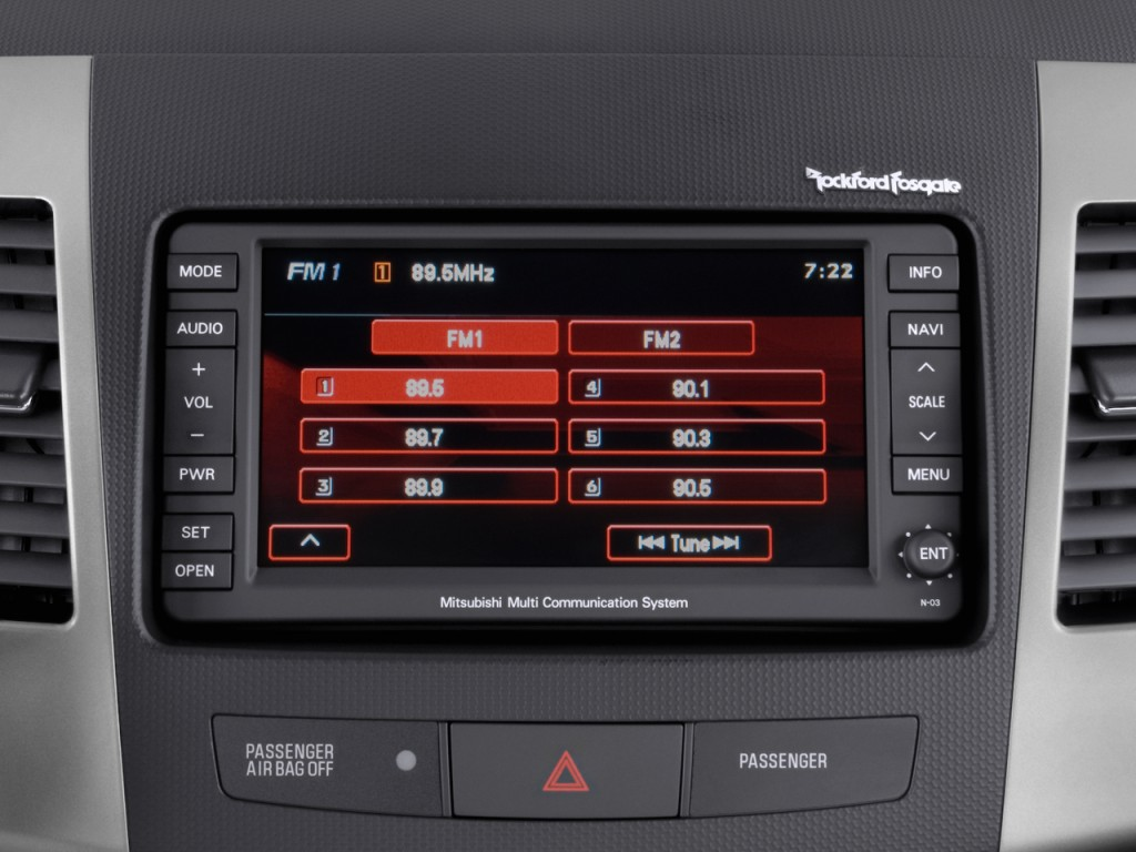 2010 Mitsubishi Outlander AWD 4-door GT Audio System