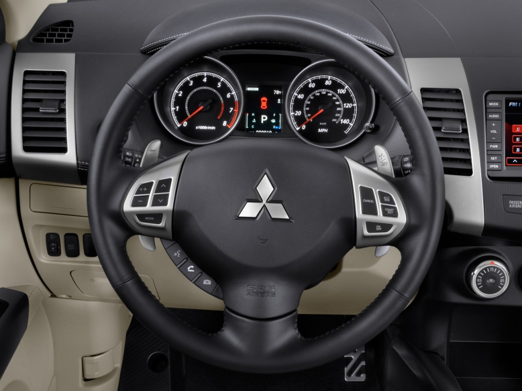 2010 Mitsubishi Outlander AWD 4-door GT Steering Wheel