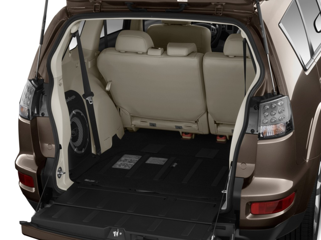 2010 Mitsubishi Outlander AWD 4-door GT Trunk