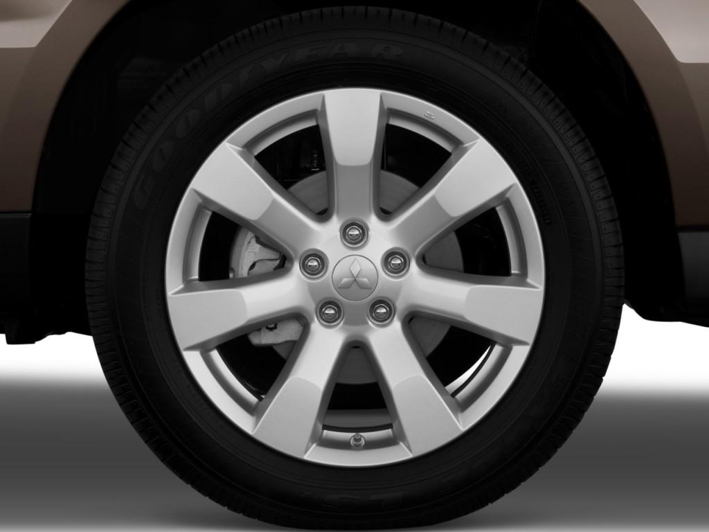 2010 Mitsubishi Outlander AWD 4-door GT Wheel Cap