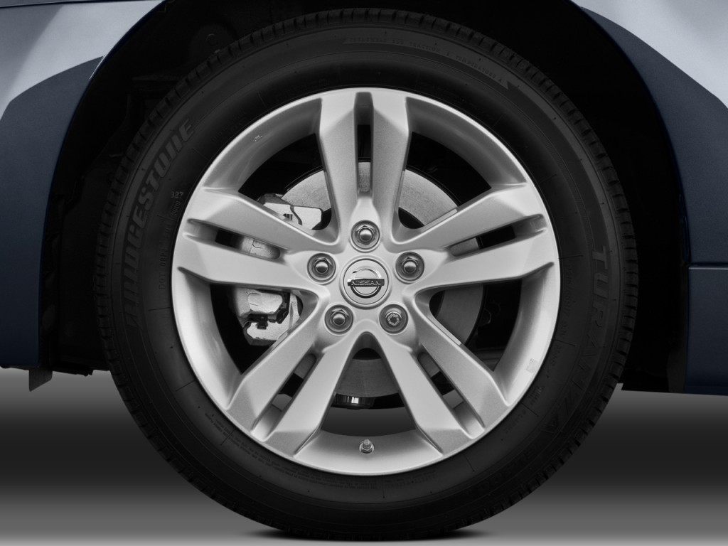 Image: 2010 Nissan Altima 2-door Coupe I4 CVT 2.5 S Wheel ...