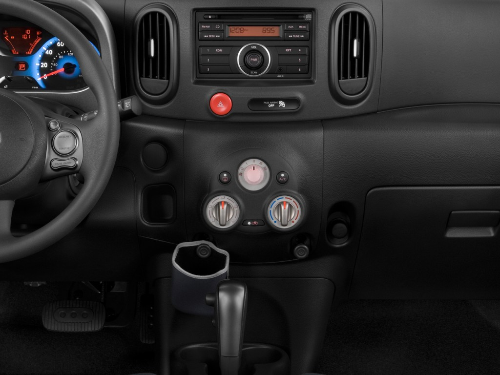 Nissan 2010 nissan cube : Image: 2010 Nissan Cube 5dr Wagon I4 CVT 1.8 S Instrument Panel ...