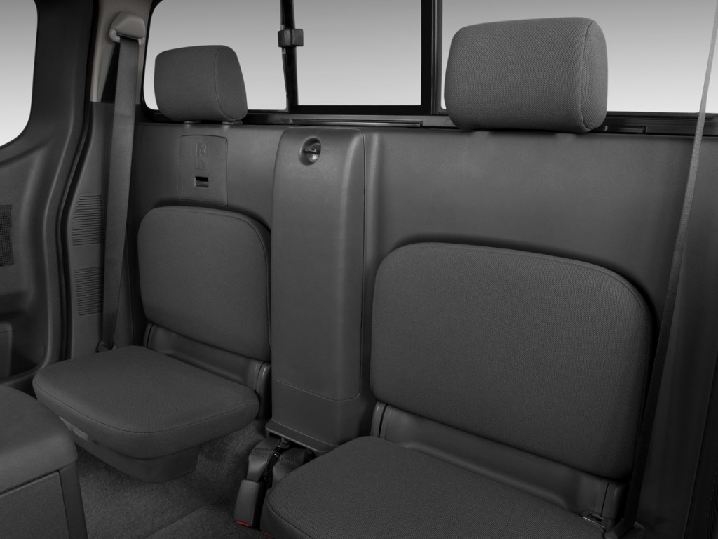 Nissan Frontier Wd King Cab I Man Se Rear Seats L