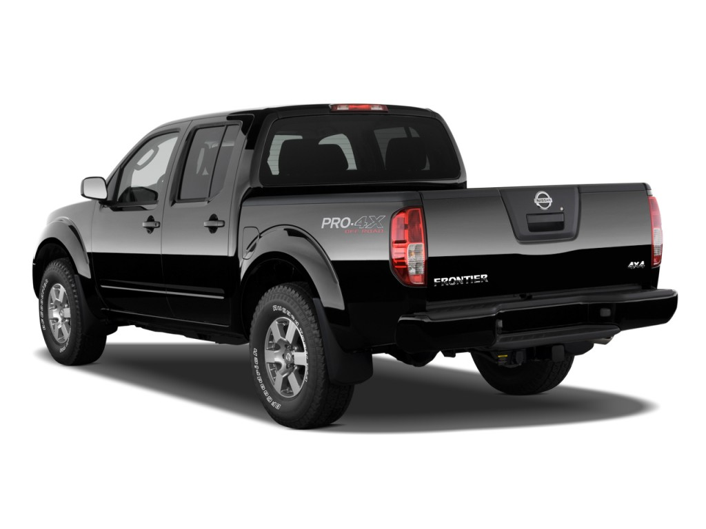 2010 Nissan Frontier 4WD Crew Cab SWB Auto PRO-4X Angular Rear Exterior View