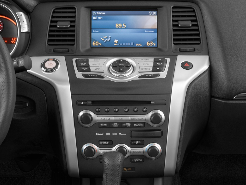 Image: 2010 Nissan Murano AWD 4-door LE Instrument Panel ...