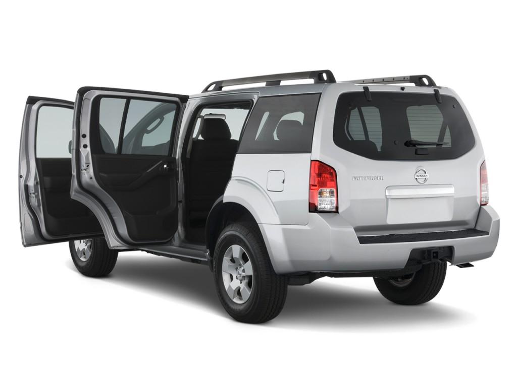 Nissan Pathfinder Wd Door V Se Open Doors L