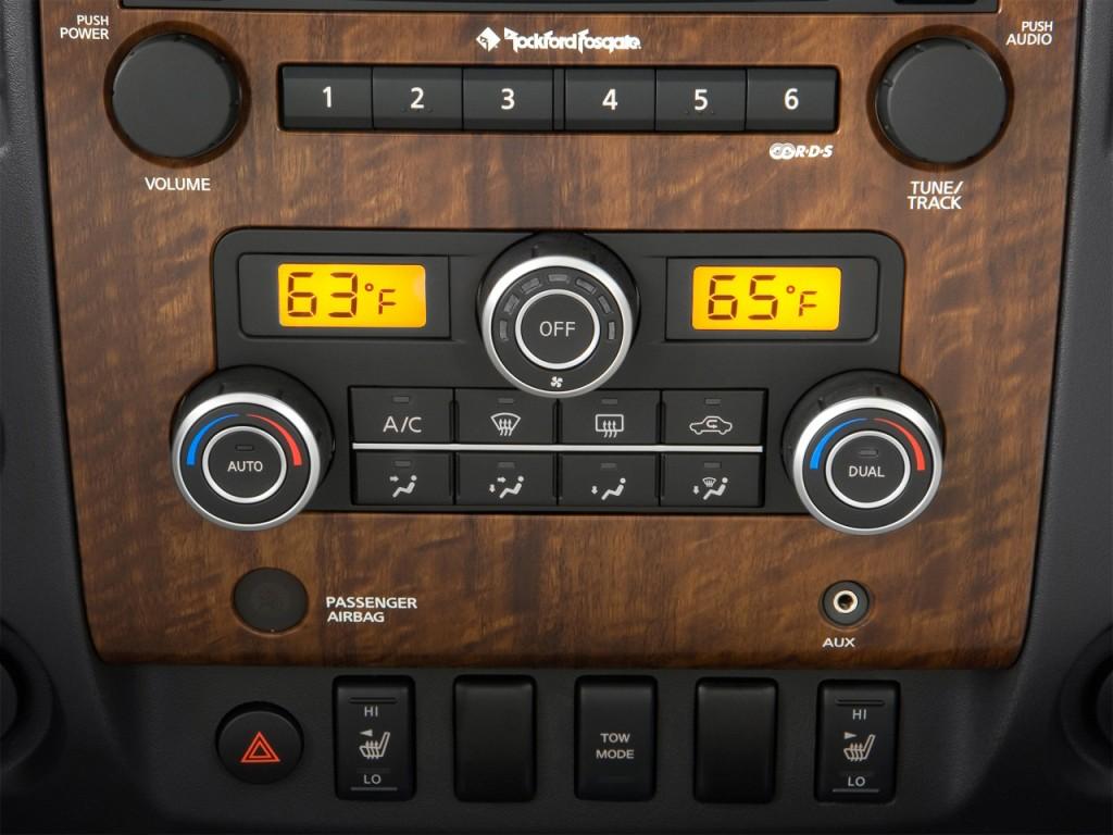 Image: 2010 Nissan Titan 4WD Crew Cab SWB LE Temperature ...