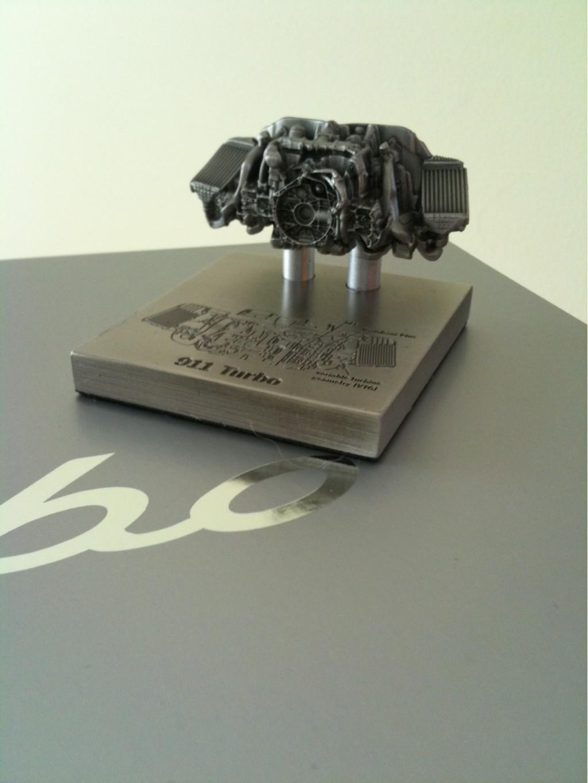 2010 Porsche 911 Turbo engine die-cast model