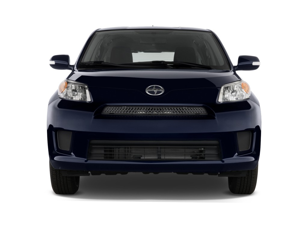 2010 Scion xD 5dr HB Man (Natl) Front Exterior View