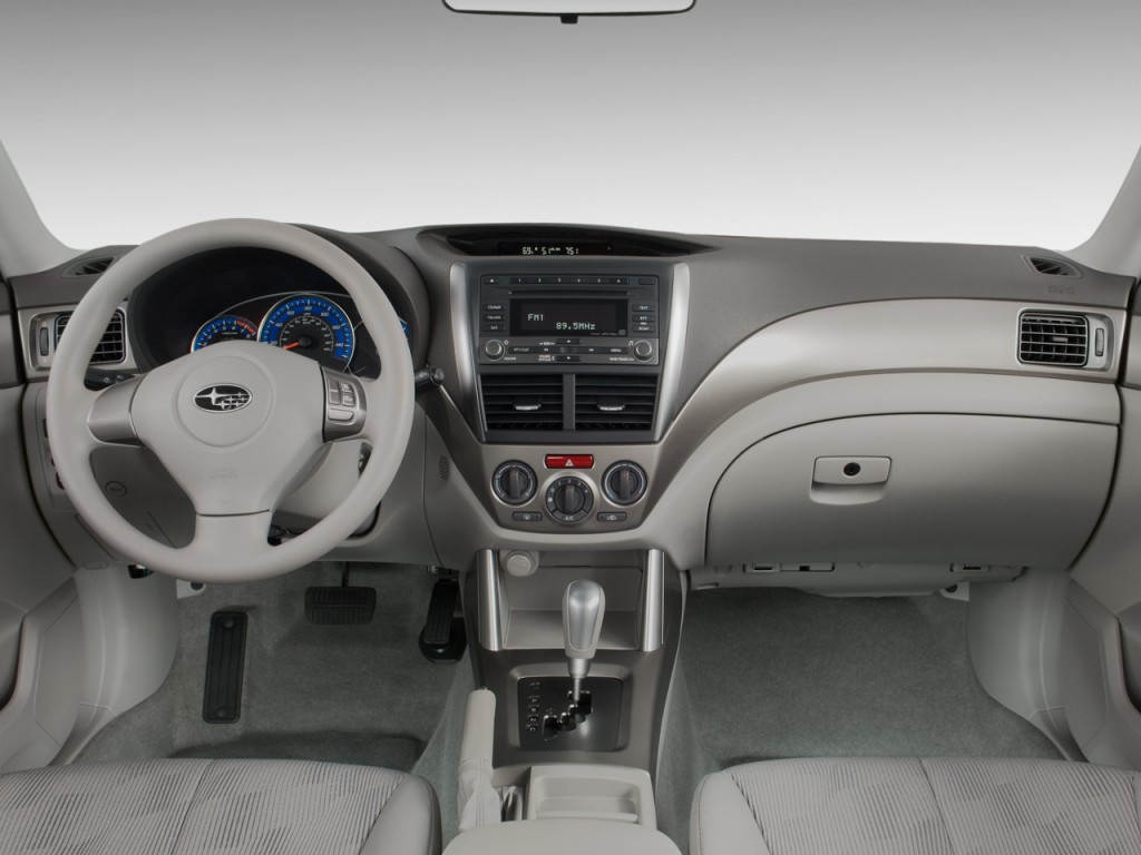 2010 Subaru Forester 4-door Auto X Dashboard