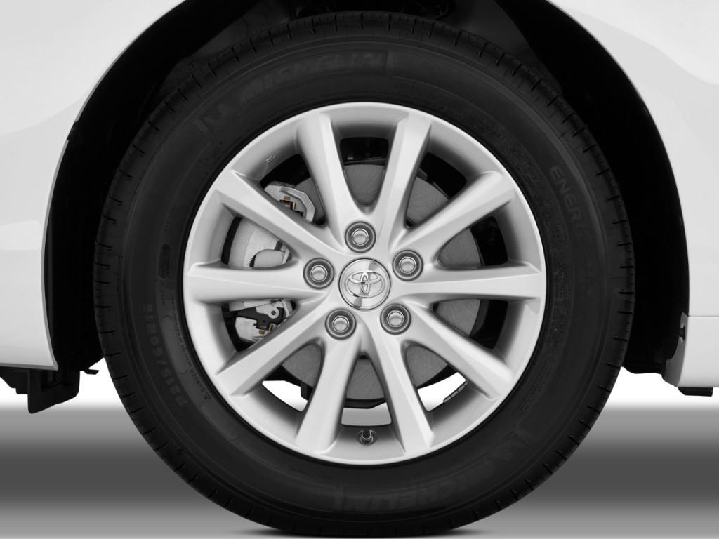 image 2010 toyota camry 4 door sedan v6 auto xle natl wheel cap size 1024 x 768 type gif. Black Bedroom Furniture Sets. Home Design Ideas