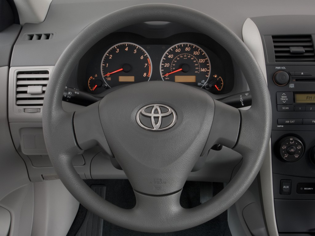 Image: 2010 Toyota Corolla 4-door Sedan Auto (Natl ...