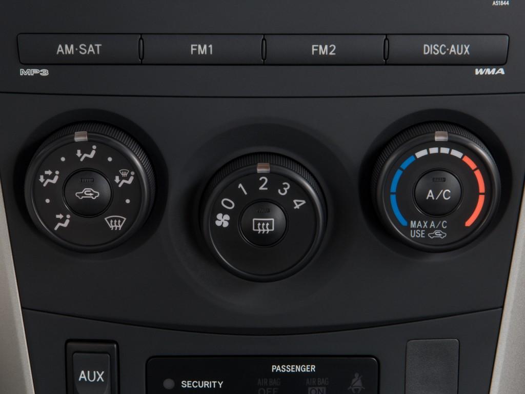 Image: 2010 Toyota Corolla 4-door Sedan Auto (Natl ...