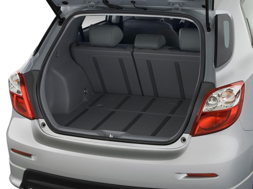Toyota Corolla Battery >> Image: 2010 Toyota Matrix 5dr Wagon Auto S FWD (Natl ...