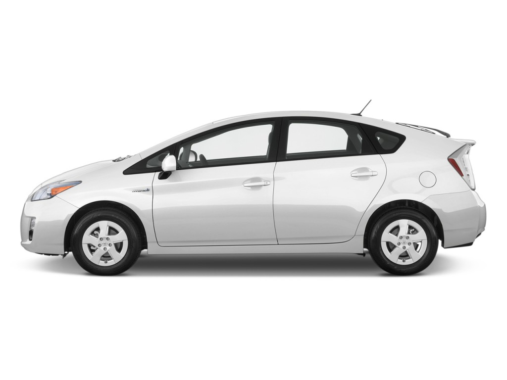 2010 Toyota Prius 5dr HB II (Natl) Side Exterior View