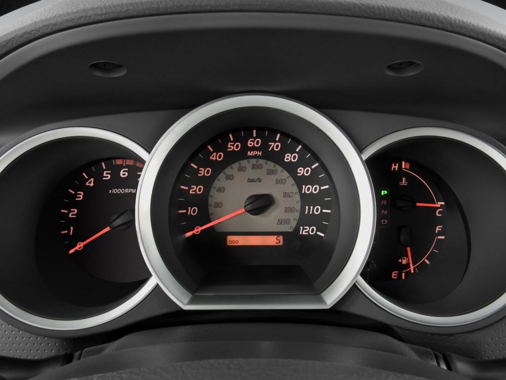Image: 2010 Toyota Tacoma 4WD Reg I4 MT (Natl) Instrument ...
