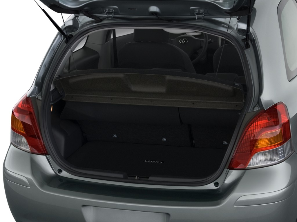 Image: 2010 Toyota Yaris 3dr LB Auto (Natl) Trunk, size ...