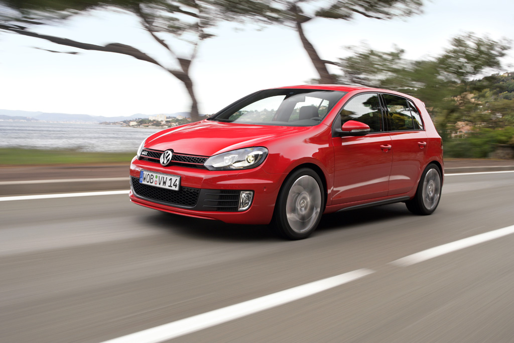 European Golf Gti Blends 6 9 Second 0 60 With Average 32 Mpg