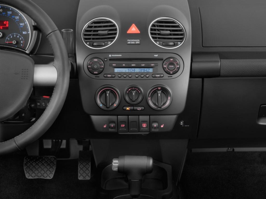 Image: 2010 Volkswagen New Beetle Coupe 2-door Man Instrument Panel, size: 1024 x 768, type: gif ...