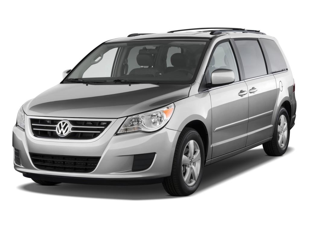 2010 Volkswagen Routan 4-door Wagon SE Angular Front Exterior View