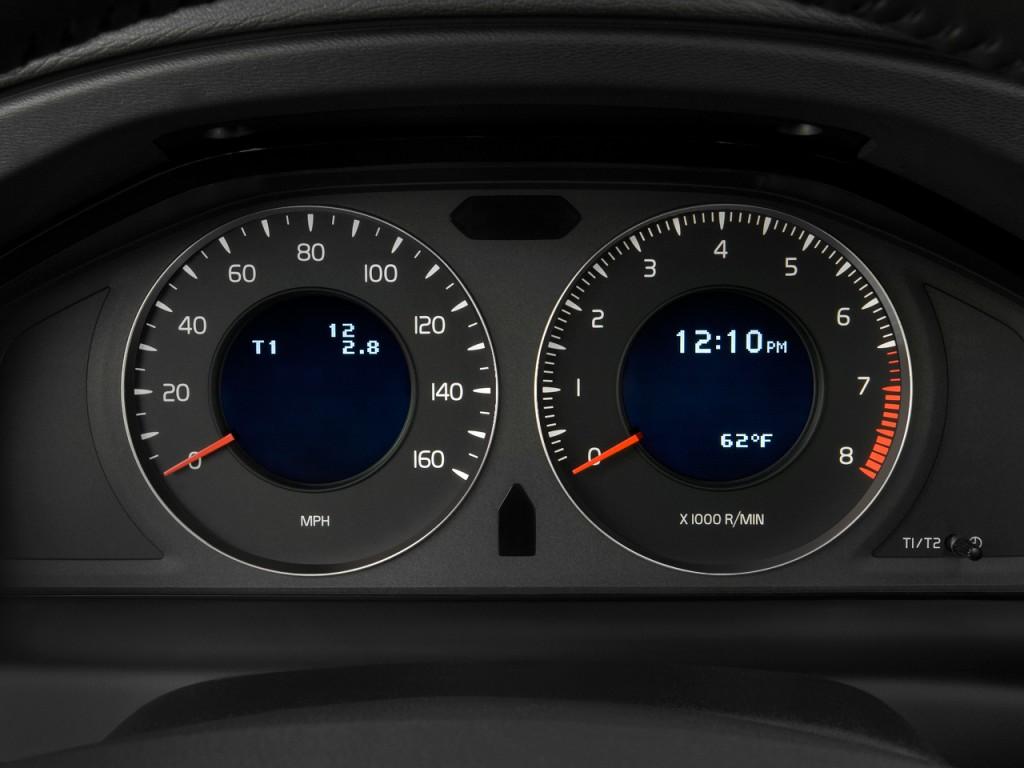 Image: 2010 Volvo V70 4-door Wagon Instrument Cluster ...