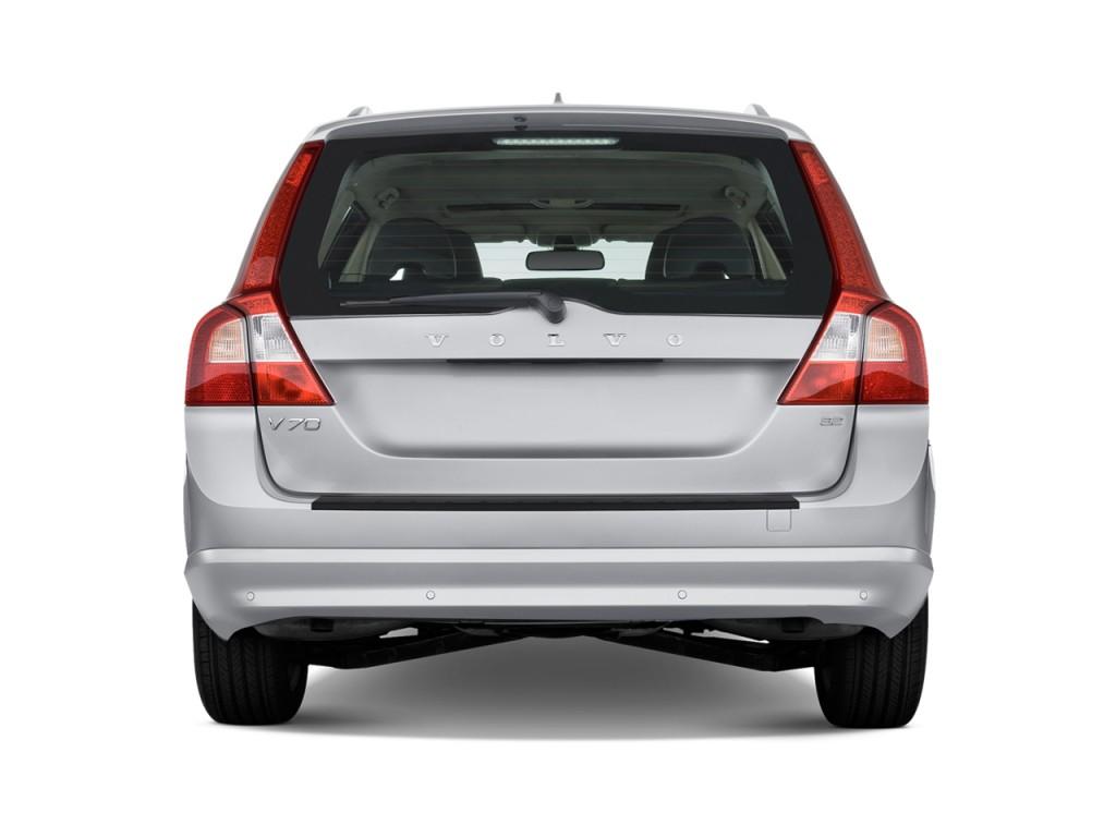 Image: 2010 Volvo V70 4-door Wagon Rear Exterior View ...