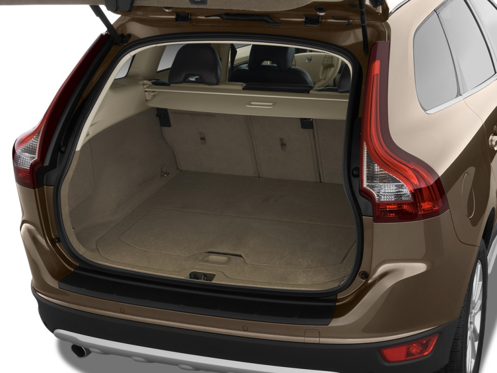 Image 2010 Volvo Xc60 Awd 4 Door 3 0t W Moonroof Trunk