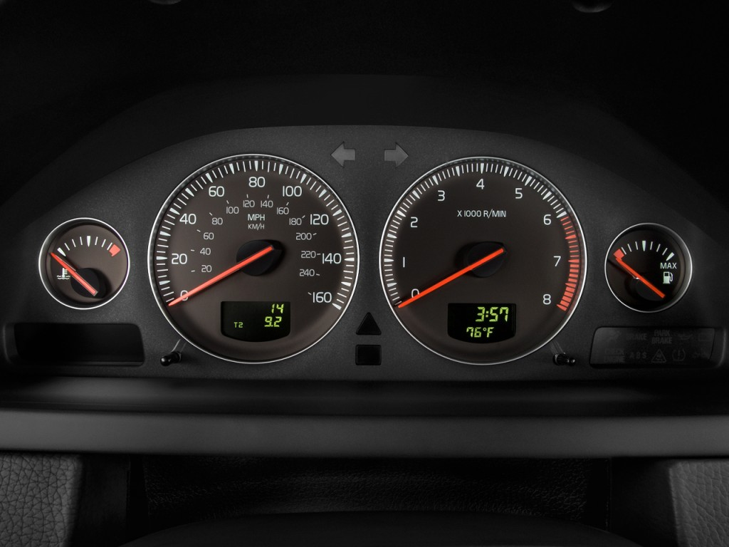Image: 2010 Volvo XC90 FWD 4-door I6 Instrument Cluster ...