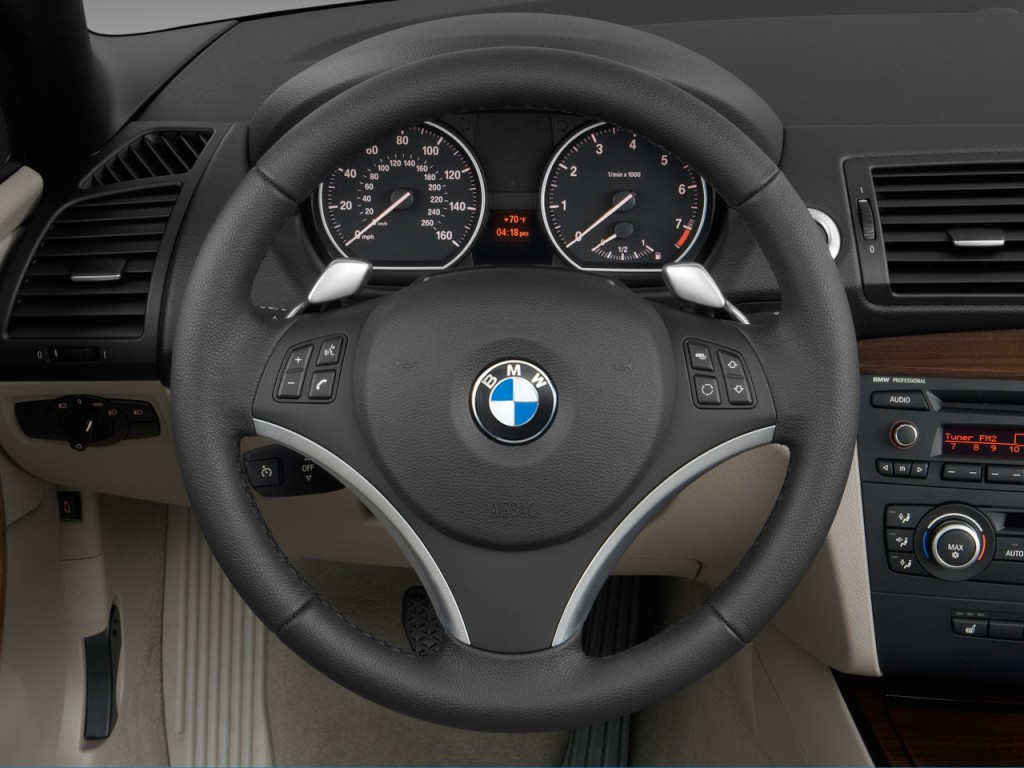 image: 2011 bmw 1-series 2-door convertible 128i steering wheel