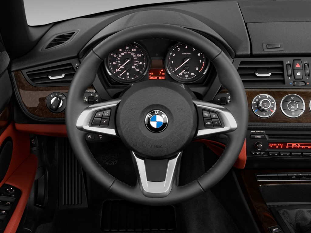 Image 2011 Bmw Z4 2 Door Roadster Sdrive30i Steering