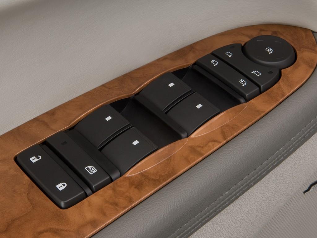 Image: 2011 Buick Enclave FWD 4-door CXL-1 Door Controls ...