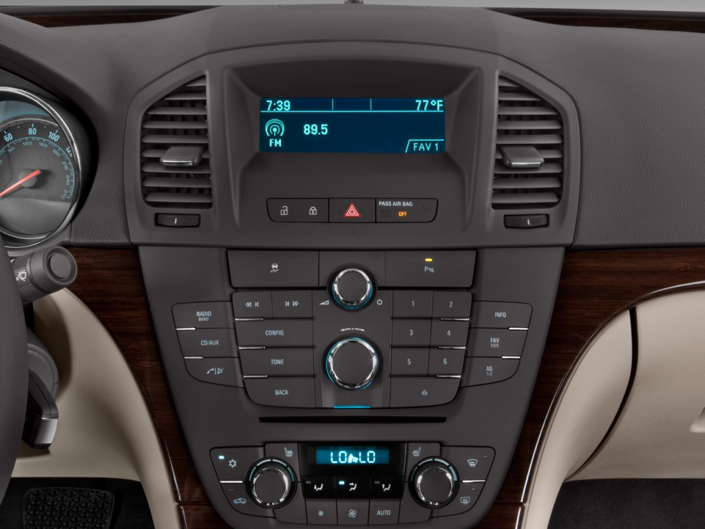 Image: 2011 Buick Regal 4-door Sedan CXL RL3 Audio System ...