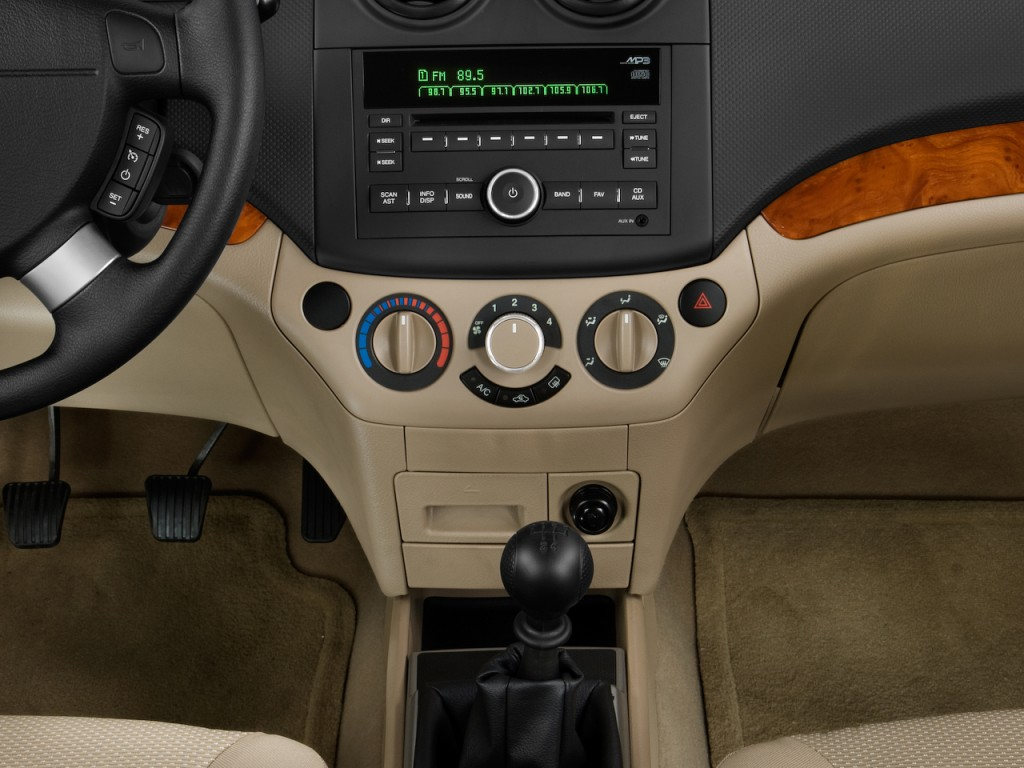 Image: 2011 Chevrolet Aveo 5dr HB LT w/1LT Instrument Panel, size: 1024 x 768, type: gif, posted ...