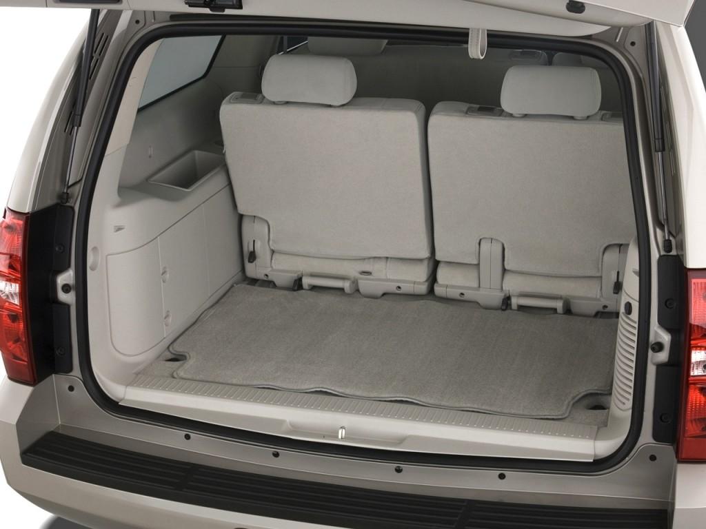 Image 2011 Chevrolet Suburban 2wd 4 Door 1500 Ls Trunk