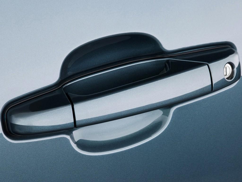 Image: 2011 Chevrolet Tahoe 2WD 4-door 1500 LS Door Handle ...