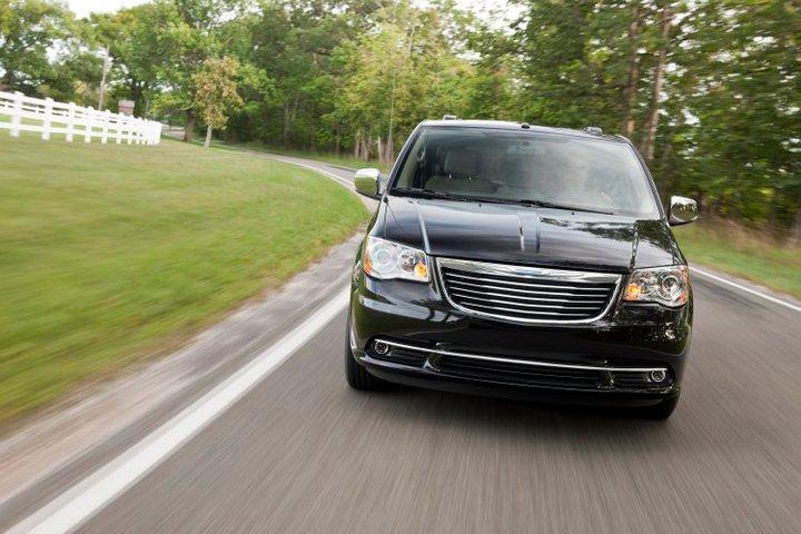 Next Generation Chrysler Minivans To Get AWD