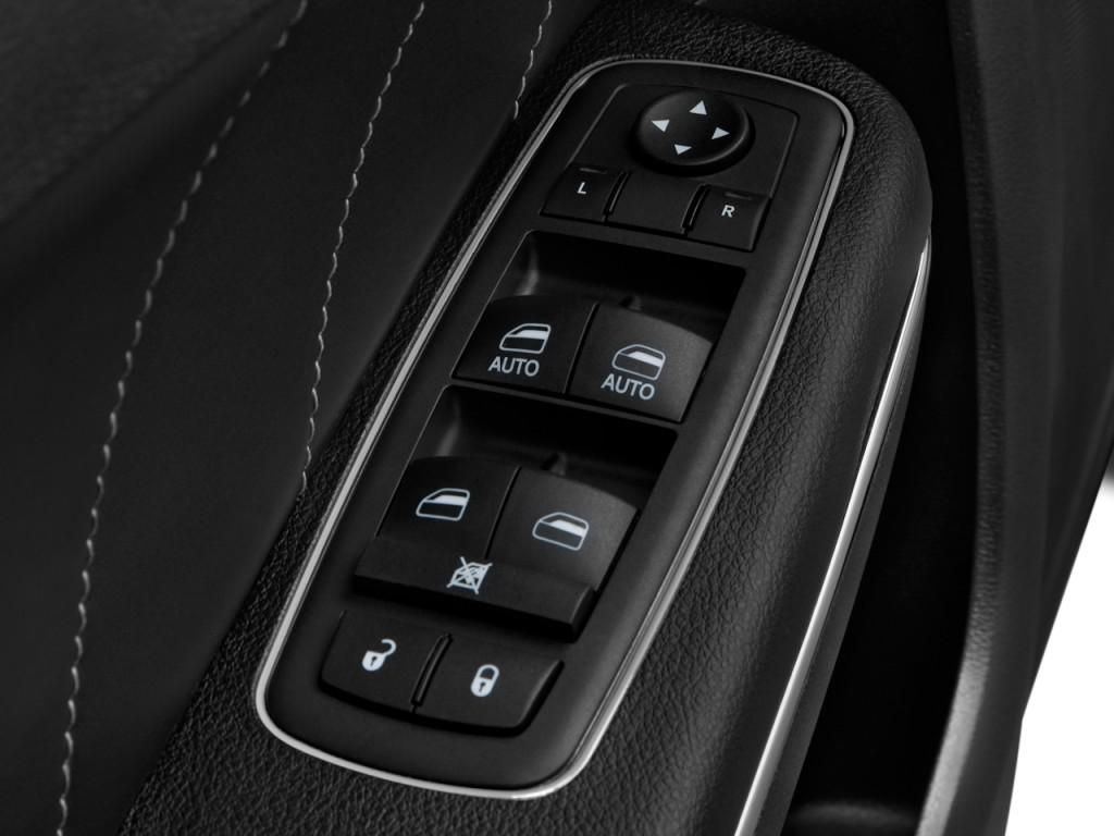 Image 2011 Dodge Charger 4 Door Sedan Rt Max Rwd Door