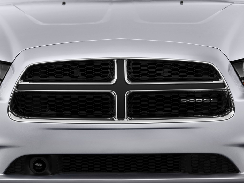 image 2011 dodge charger 4 door sedan rt max rwd grille size 1024 x 768 type gif posted on. Black Bedroom Furniture Sets. Home Design Ideas