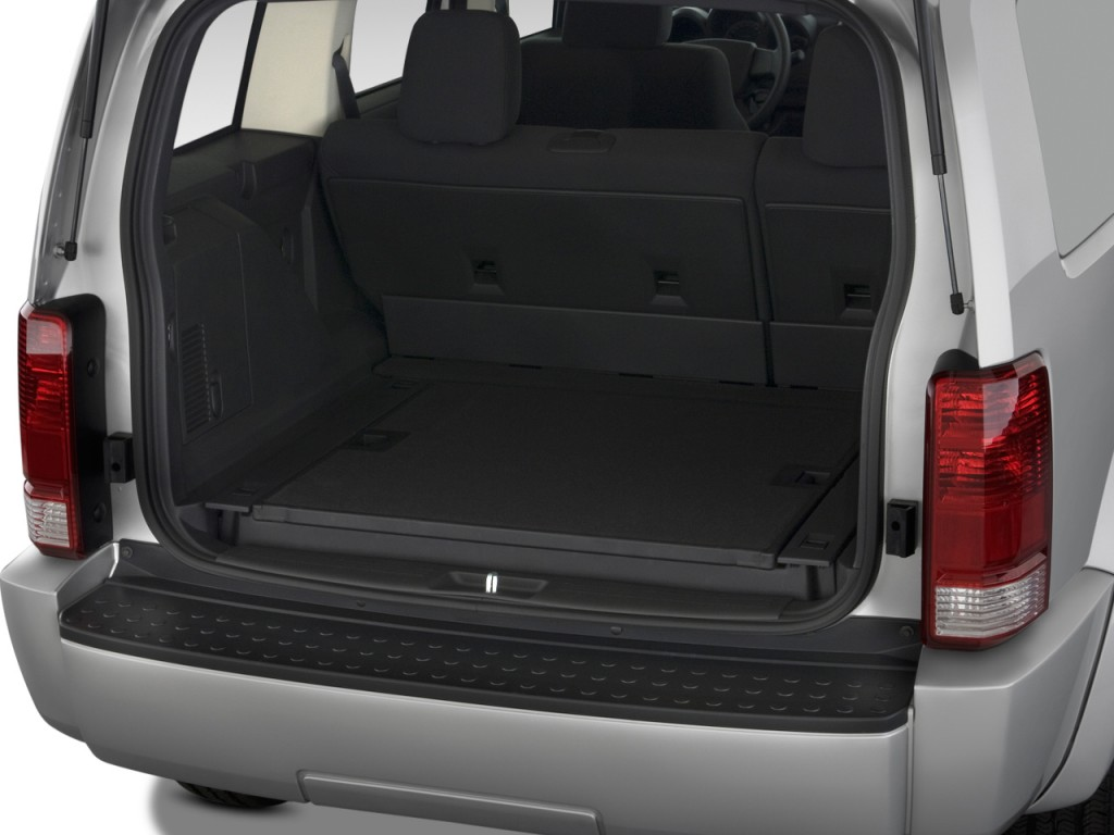 image 2011 dodge nitro 2wd 4 door heat trunk size 1024 x 768 type gif posted on december. Black Bedroom Furniture Sets. Home Design Ideas