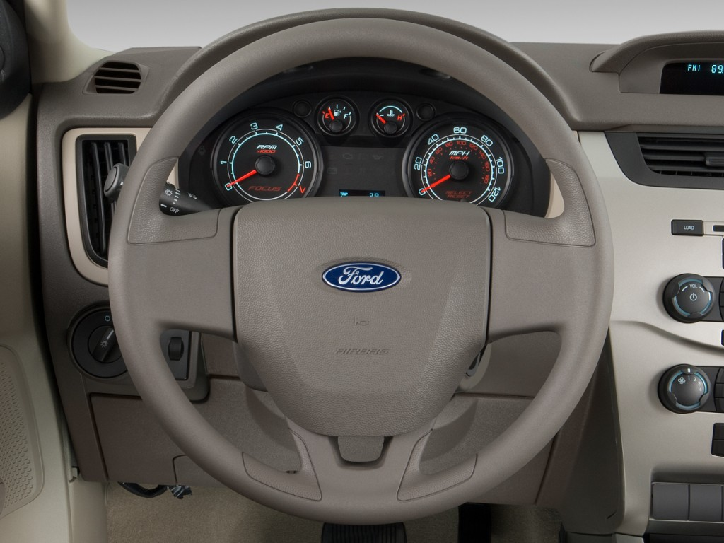 Image: 2011 Ford Focus 4-door Sedan S Steering Wheel, size ...