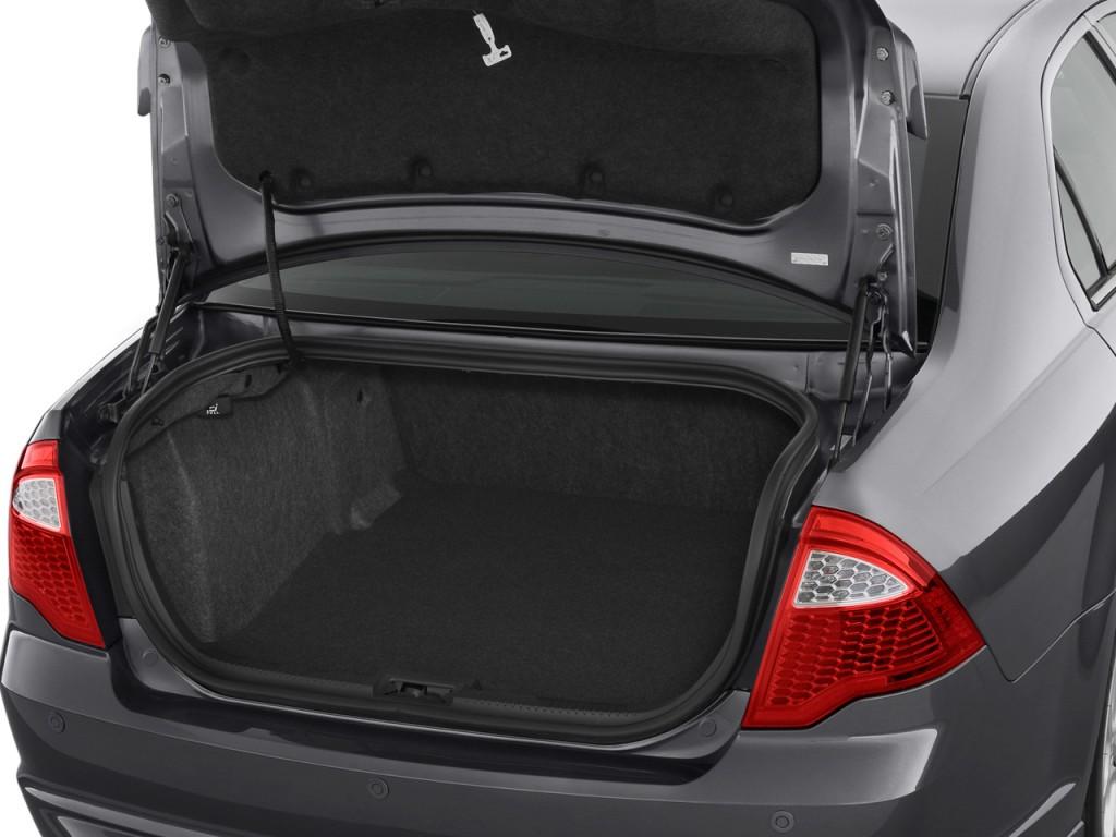 2011 Ford Fusion 4-door Sedan SE FWD Trunk