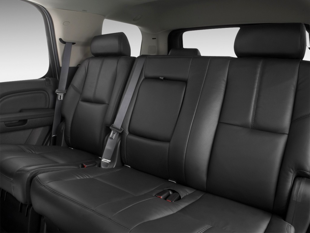 Image: 2011 GMC Yukon 2WD 4-door 1500 Denali Rear Seats ...