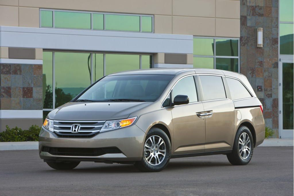 Best Used Minivan >> Best Used Minivan 2013 The Car Connection S Picks
