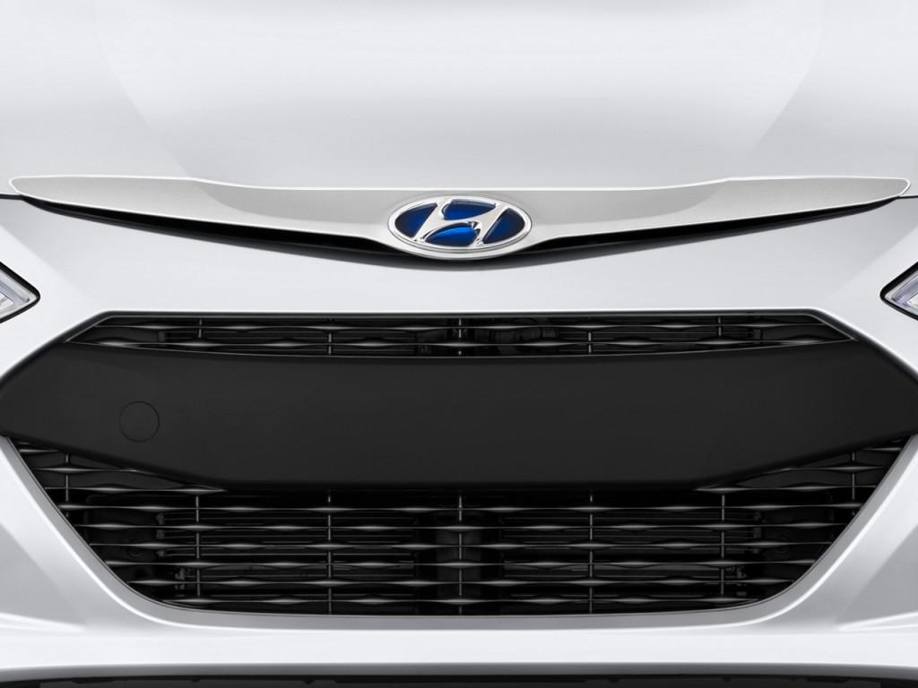 Hyundai Sonata Door Sedan L Auto Hybrid Grille L on 2001 Hyundai Santa Fe Tire Size