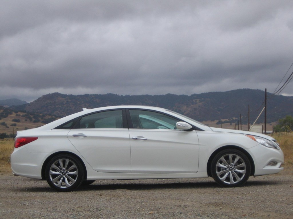 2011 Hyundai Sonata 2.0T, La Jolla, California, October 2010