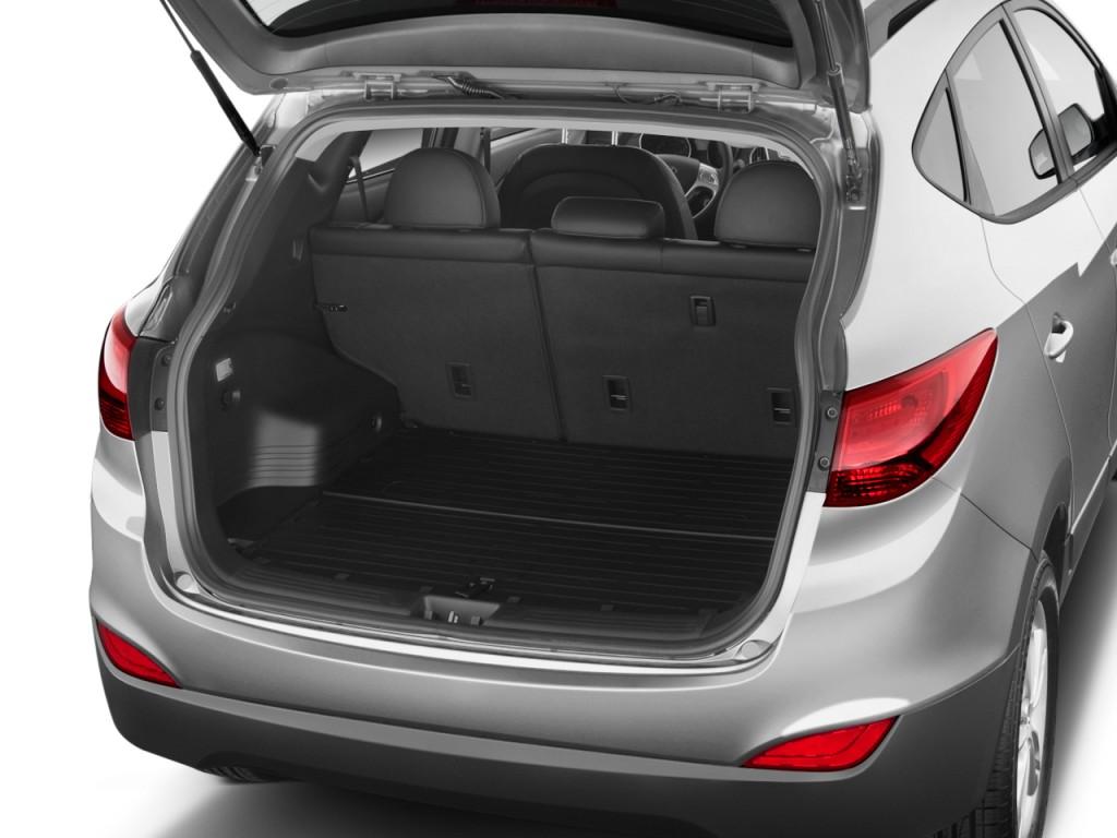 Image 2011 Hyundai Tucson Fwd 4 Door Auto Gls Pzev Trunk