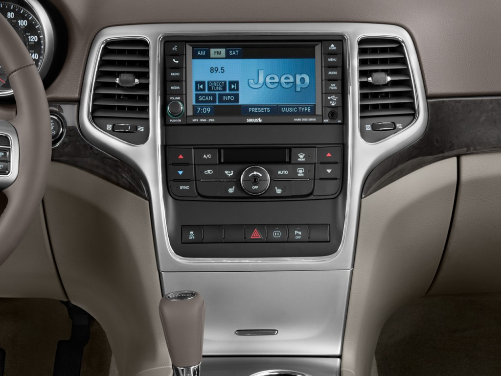 Image 2011 Jeep Grand Cherokee 4wd 4 Door Laredo