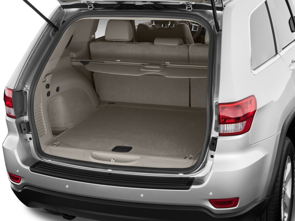 image 2011 jeep grand cherokee 4wd 4 door laredo trunk. Black Bedroom Furniture Sets. Home Design Ideas