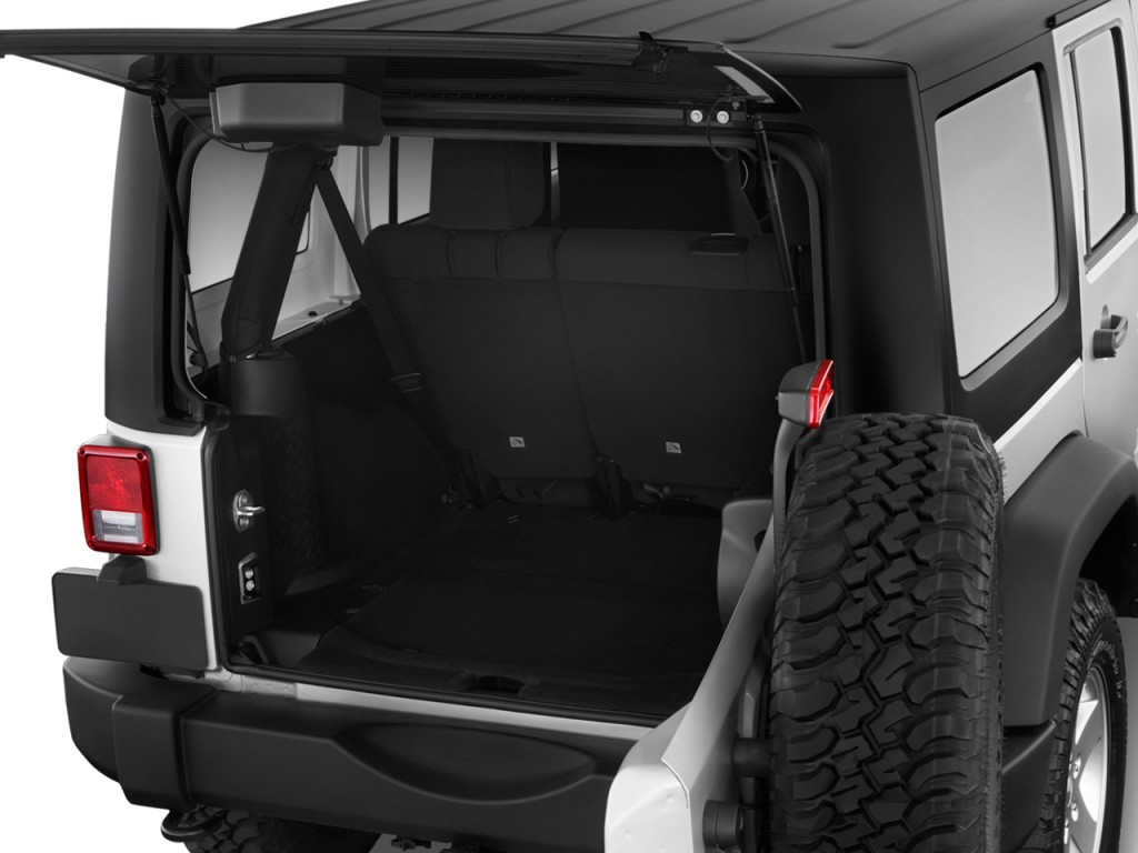 image 2011 jeep wrangler unlimited 4wd 4 door rubicon trunk size 1024 x 768 type gif. Black Bedroom Furniture Sets. Home Design Ideas